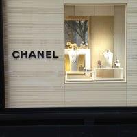 Das Foto wurde bei CHANEL Boutique von Panitarn P. am 2/11/2013 aufgenommen