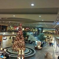 Das Foto wurde bei Oxmoor Center von ~T am 11/16/2012 aufgenommen