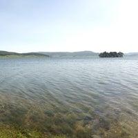 Foto tomada en Язовир Батак (Batak Dam) por Dilyana I. el 5/17/2013
