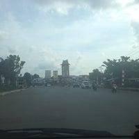 Photo taken at Lapangan tugu pelaihari by Niea 💖👜 on 8/18/2013