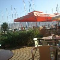 10/19/2012에 Cagri A.님이 Vespa Cafe & Restaurant에서 찍은 사진