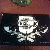 Foto tirada no(a) Rise Up Coffee por Ashley J. em 7/12/2013