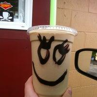 Foto tirada no(a) Rise Up Coffee por Ashley J. em 6/14/2013