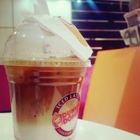 Photo taken at Dunkin' Donuts by Mansour on 9/14/2016