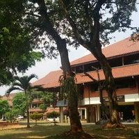 Photo taken at Fakultas Ilmu Sosial dan Ilmu Politik (FISIP) by Pisas P. on 7/23/2015