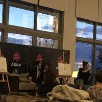 2/27/2018 tarihinde Goncaziyaretçi tarafından Akra Barut Lobby Lounge'de çekilen fotoğraf