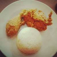 Photo taken at oLive Fried Chicken by Sony A. on 11/30/2012