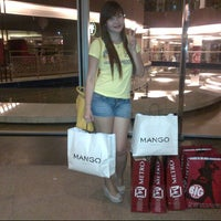 Foto tomada en Mango por PriNcEzz I. el 10/7/2012