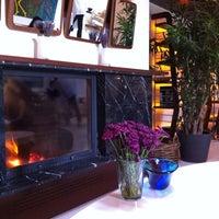 11/18/2012 tarihinde Zeynep M.ziyaretçi tarafından Backyard'de çekilen fotoğraf