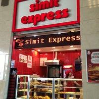 5/25/2013 tarihinde Gnssmtziyaretçi tarafından Simit Express'de çekilen fotoğraf
