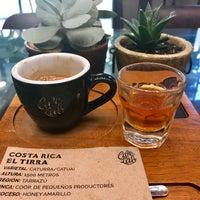 Foto tomada en Café Lab por Nil E. el 9/1/2017