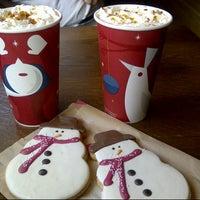 Photo taken at Starbucks by Duygu K. on 11/17/2012