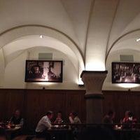 Das Foto wurde bei Paulaner Bräuhaus von Nicole B. am 10/31/2013 aufgenommen