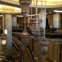 รูปภาพถ่ายที่ The St. Regis Abu Dhabi โดย Susan N. เมื่อ 7/25/2013