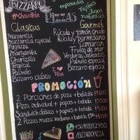 Foto scattata a Bizzarro Pizza da Angelina S. il 10/1/2016