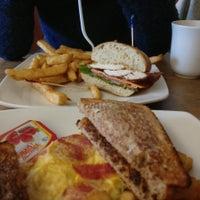 3/4/2018 tarihinde Marius B.ziyaretçi tarafından The Grenadier Restaurant'de çekilen fotoğraf