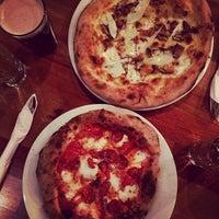 รูปภาพถ่ายที่ Life of Pie Pizza โดย graceface k. เมื่อ 12/19/2013