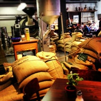 Das Foto wurde bei Kaffeerösterei Speicherstadt von Dirk am 4/6/2013 aufgenommen