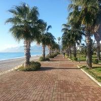 12/13/2012 tarihinde Selma A.ziyaretçi tarafından Konyaaltı Plajı'de çekilen fotoğraf