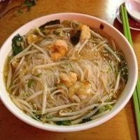 Foto scattata a Pho Sao Bien Vietnamese Restaurant da Austin P. il 10/16/2012