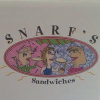 4/14/2014 tarihinde Gregory N.ziyaretçi tarafından Snarf's Sandwiches'de çekilen fotoğraf