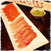Photo taken at Crazy Mike's Sushi by Edωïи on 7/18/2013