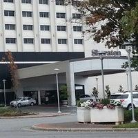 Photo taken at Sheraton Greensboro at Four Seasons by Wayne N. on 10/13/2013