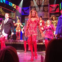 Foto scattata a Kinky Boots at the Al Hirschfeld Theatre da Salvador B. il 7/26/2013