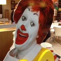 Photo taken at McDonald's by Luiz F. on 10/12/2012