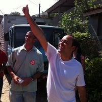 Photo taken at Corpo a corpo no Morro da Cocada by Rodrigo N. on 9/15/2012