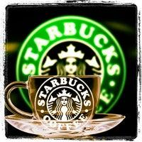 Foto tomada en Starbucks por Elsa S. el 2/7/2013