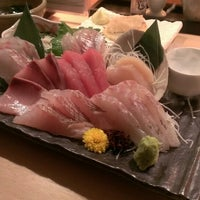 Photo taken at 魚屋の居酒屋 日本橋魚錠 by Hiroyuki Kobayashi on 1/31/2014