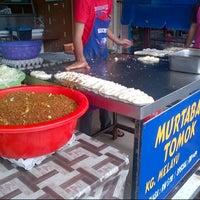 Photo taken at (Restoran Rafi) Murtabak Tomok Kg. Melayu by bugbitesandco on 2/10/2013