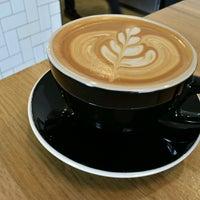 Foto tirada no(a) Vesta Coffee Roasters por Geoff C. em 2/25/2017
