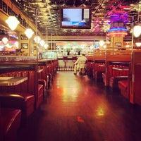 Снимок сделан в Beverly Hills Diner пользователем Tati G. 5/20/2013