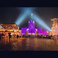 Photo taken at Weihnachtsmarkt vor dem Schloss Charlottenburg by Tati G. on 11/26/2012