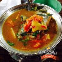 Photo taken at Pondok & Cafe Bahrein by Persica Puspa Chandrakirana on 10/20/2014