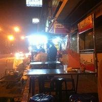 Photo taken at ร้านอาหารตามสั่งริมถนน (ปากซ.งามวงศ์วาน58) by Little on 10/4/2012