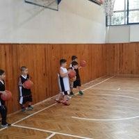 Photo taken at Üsküdar Beşiktaş Basketbol Okulu by Murat C. on 10/12/2013