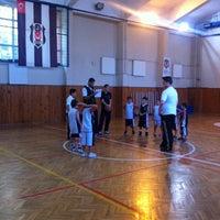 Photo taken at Üsküdar Beşiktaş Basketbol Okulu by Murat C. on 9/28/2013