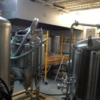 รูปภาพถ่ายที่ Lake Effect Brewing Company โดย Steve เมื่อ 2/1/2013
