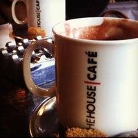 Foto tirada no(a) The House Café por İ.K K. em 4/15/2013