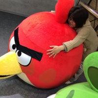 รูปภาพถ่ายที่ AppBank Store 新宿 โดย egaku เมื่อ 11/14/2013