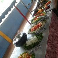 Foto tirada no(a) Restaurante Marazul por Bruna C. em 6/22/2014