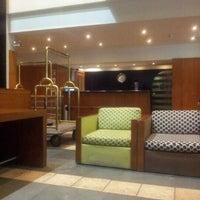 Foto tomada en Hotel NH por Adriano A. el 11/5/2012