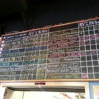 Foto scattata a Ballast Point Brewing & Spirits da Geez Meow il 12/29/2012