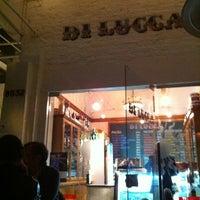 Foto tomada en Di Lucca por Connie el 1/19/2013