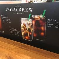 Foto scattata a Starbucks da BeBirdNokk 🌸🤞🏻 il 7/7/2018