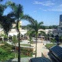 Das Foto wurde bei Boca Raton Marriott at Boca Center von Shoug ⚖. am 7/29/2013 aufgenommen