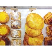 Das Foto wurde bei artisan boulangerie co. von VotreX T. am 11/9/2013 aufgenommen